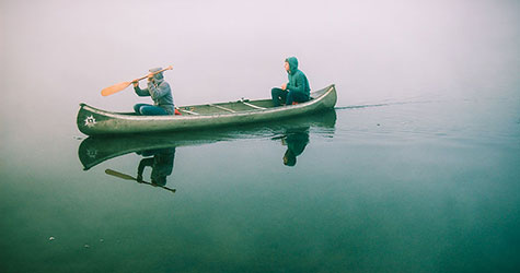b_sect_main_people_canoeing