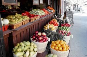 Life-Of-Pix. (2014). Pixabay. Market, street, fruit, apples, oranges, pears, food. Retrieved from http://pixabay.com/en/market-street-fruit-apples-oranges-406858/ License: CC0 Public Domain / FAQ